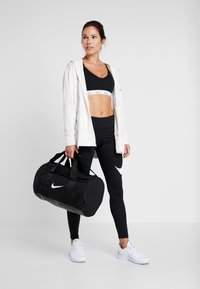 Nike Performance - TEAM DUFFLE - Sportväska - black - 1