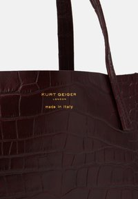 Kurt Geiger London - MINI TOTE - Kabelka - wine - 3