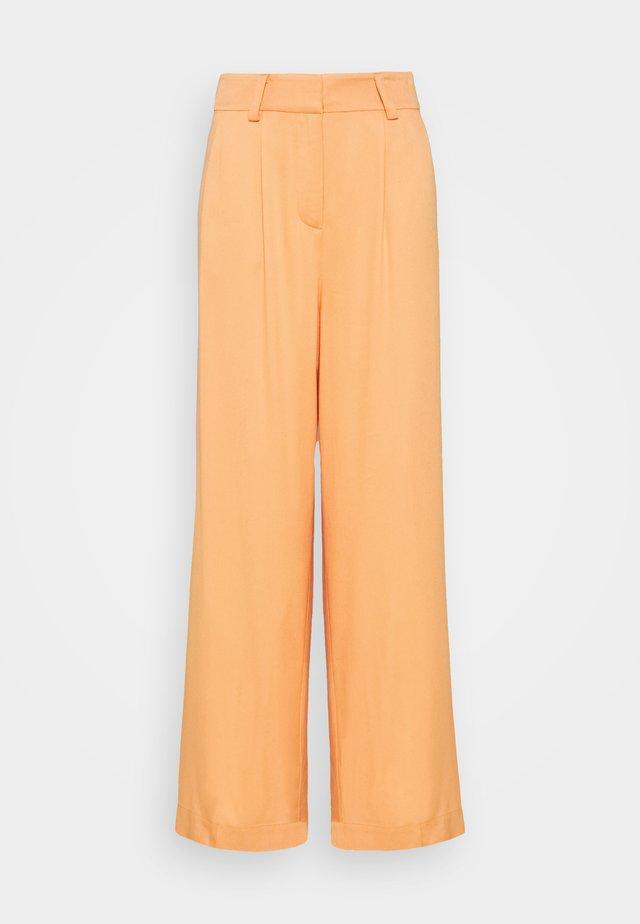KELLY TROUSERS - Bukse - orange