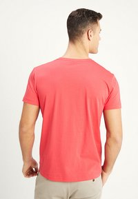 GANT - ORIGINAL - T-shirt - bas - watermelon red - 2