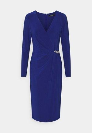CLASSIC DRESS - Žerzejové šaty - sporting royal