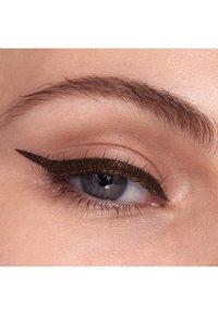 Maybelline New York - HYPER EASY LIQUID LINER EYELINER - Eyeliner - pitch brown - 3