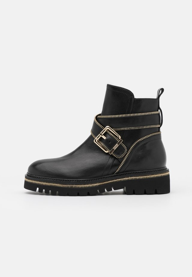 ZIP STREET - Bottines à plateau - black