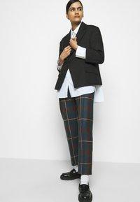 Vivienne Westwood - GEORGE TROUSERS - Pantalon classique - brown - 3