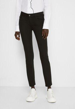 EMMA: LOW RISE INSTASCULPT - Jeans Skinny Fit - riker