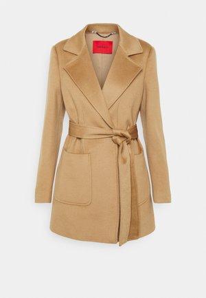 SHORTRUN - Classic coat - camel
