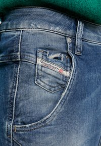 Diesel - FAYZA-T - Slim fit jeans - indigo - 5