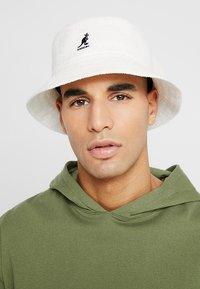 Kangol - BERMUDA BUCKET - Hat - white - 1
