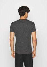 Q/S designed by - KURZARM - Print T-shirt - black - 2