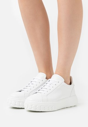 OFF-ROAD LEOPOP - Sneakers laag - bianco