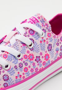 Converse - CHUCK TAYLOR ALL STAR FLORAL - Trainers - pink/active fuchsia/white - 5