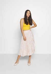 Glamorous - PRINTED MIDI SKIRT - A-Linien-Rock - nude - 1