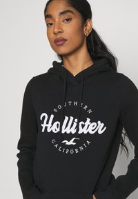 Hollister Co. - TECH CORE  - Sweatshirt - black - 3