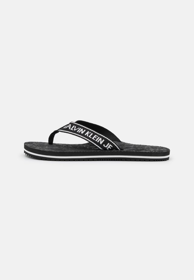 BEACH INSTITUTIONAL  - Teensandalen - black