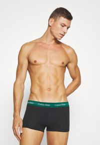 Calvin Klein Underwear - LOW RISE TRUNK 3 PACK - Onderbroeken - alligator/grey heather/ black