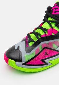Jordan - JORDAN ONE TAKE 3 UNISEX - Basketball shoes - wolf grey/pink prime/electric green - 5