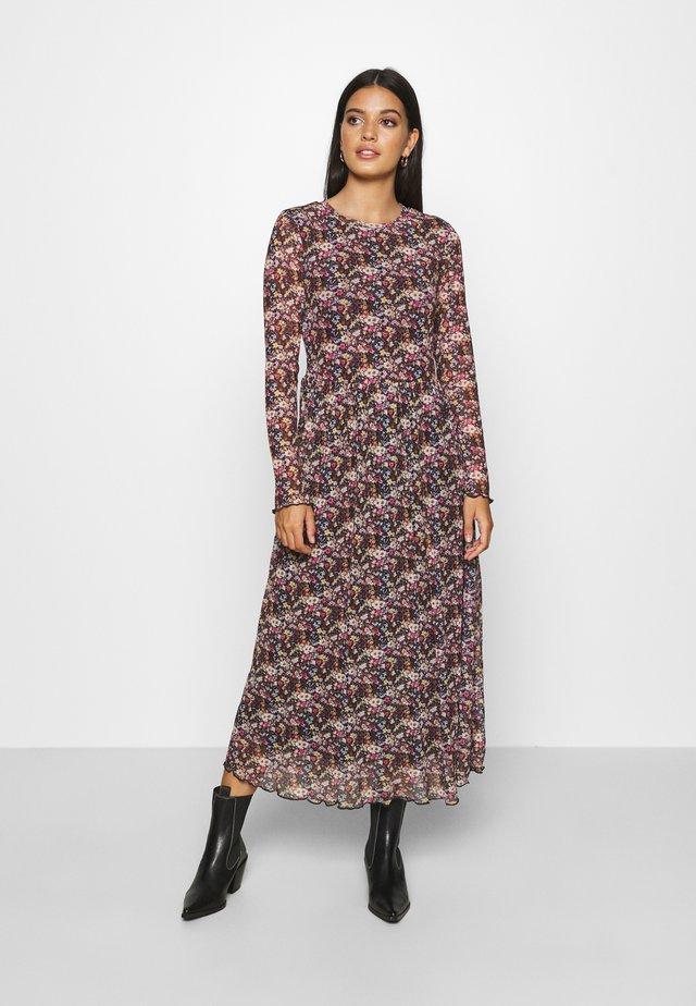 MARISAN - Denní šaty - black/pink