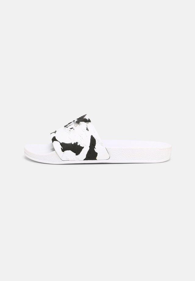 ATOMICCA - Sandały kąpielowe - white/black