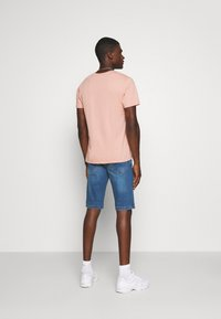 Redefined Rebel - HAMPTON - Jeans Shorts - light blue - 2