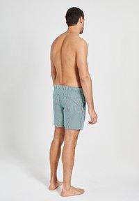 Shiwi - Swimming shorts - pine green - 2