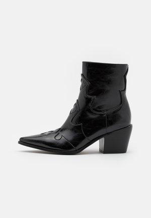 VISTA - Cowboy/biker ankle boot - black