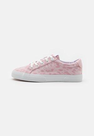 KENTON ANI - Trainers - pink
