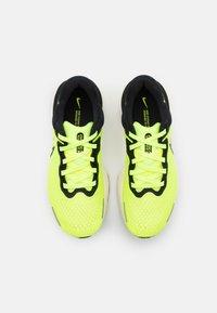 Nike Performance - ZOOMX INVINCIBLE RUN - Neutrale løbesko - volt/black/barely volt - 3