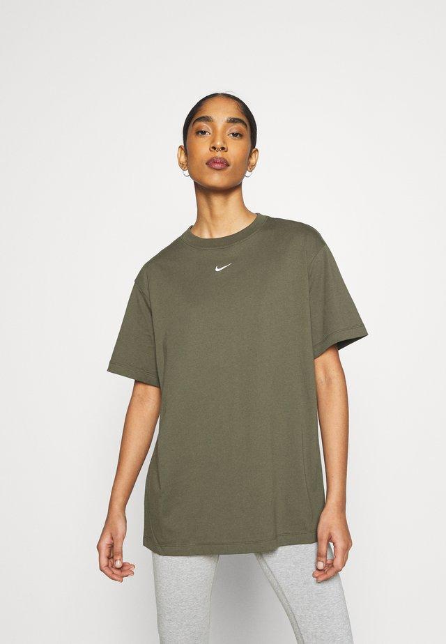 T-Shirt print - cargo khaki/white
