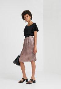 Bruuns Bazaar - PENNY CECILIE SKIRT - A-Linien-Rock - creamy rosa - 1