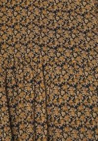 Second Female - PRADOTO DRESS - Denní šaty - bistre - 6