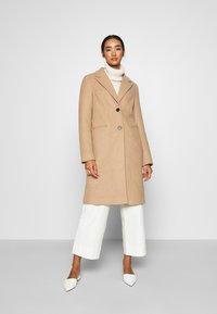 Vero Moda - VMBLAZA LONG - Zimní kabát - tan - 0