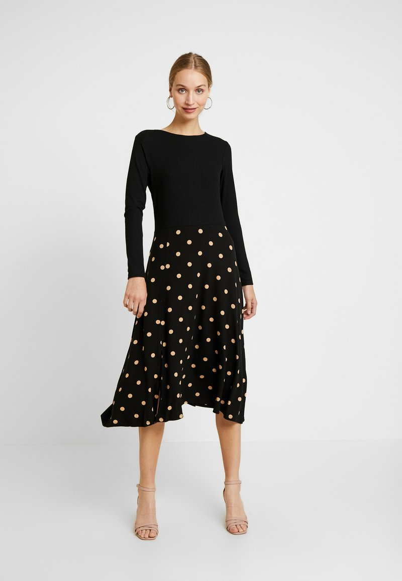 Dorothy Perkins - CAMEL SPOT MIDI - Jersey dress - black