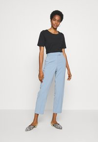 Vila - VINAHLA - Pantalones - light blue - 1