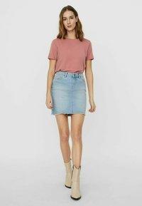 Vero Moda - Pencil skirt - light blue denim - 1