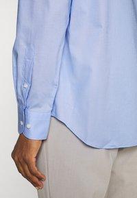 Tommy Hilfiger Tailored - PLAIN REGULAR FIT - Kostymskjorta - classic blue - 4