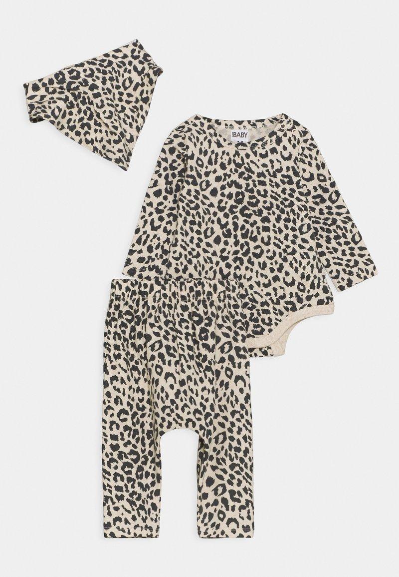 Cotton On - BUNDLE BIB SET - Leggings - Trousers - caramel