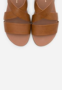 Dorothy Perkins - COMFORT FRANC CROSS OVER  - Sandales - tan - 5