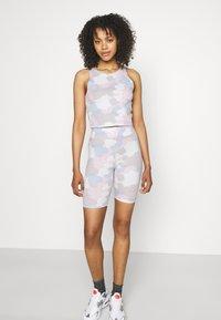 Nike Sportswear - Shorts - photon dust - 3