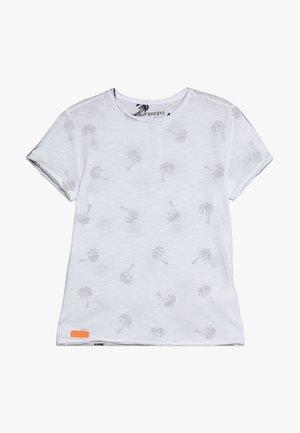 BOYS PALMEN ALLOVER - Print T-shirt - schneeweiss