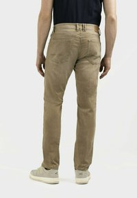 camel active - MIT STRETCH - Straight leg jeans - wood - 2
