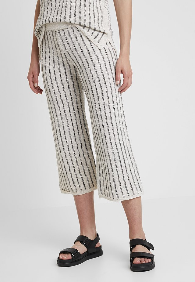 Trousers - beige/black
