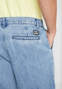 Obey Clothing - FUBAR PLEATED - Relaxed fit jeans - light indigo - 5