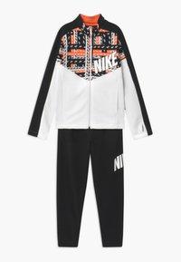Nike Sportswear - TRACKSUIT SET - Trainingspak - black/white - 0