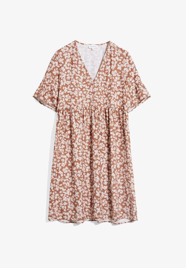 AAINO STRAW FLOWER - Korte jurk - oatmilk