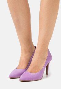 Copenhagen Shoes - SKY  - Klasické lodičky - purple - 0