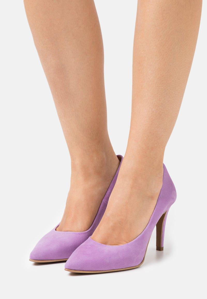 Copenhagen Shoes - SKY  - Klasické lodičky - purple