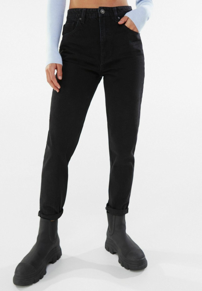 Bershka - Slim fit jeans - black