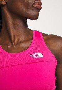 The North Face - WOMENS ACTIVE TRAIL TANKLETTE - Funkční triko - pink/black - 5