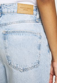 Gina Tricot - VINTAGE HIGH WAIST  - Jeans relaxed fit - light blue - 5