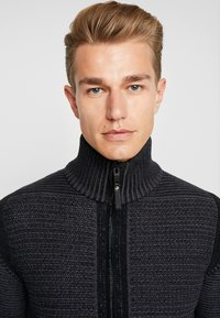 Petrol Industries - Cardigan - raven grey - 3